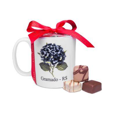 caneca-de-ceramica-azul-com-8-bombons-de-chocolate-lugano-recheados-sortidos-78g
