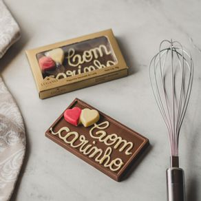 plaquinha-de-chocolate-ao-leite-lugano-com-carinho-70g-ambientada