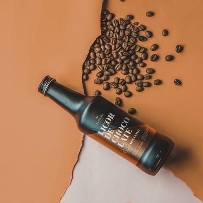 licor-de-chocolate-lugano-sabor-cappuccino-250ml-ambientada