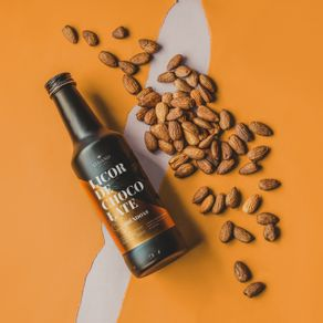 licor-de-chocolate-lugano-sabor-amendoas-250ml-ambientada
