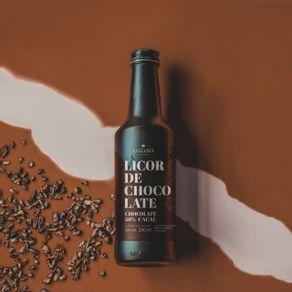 licor-de-chocolate-lugano-50--cacau-250ml-ambientada