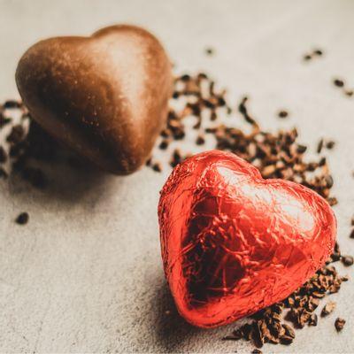coracao-de-chocolate-ao-leite-lugano-laminado-75-ambientada